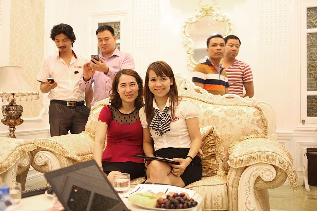 shac-khai-truong-showroom-12