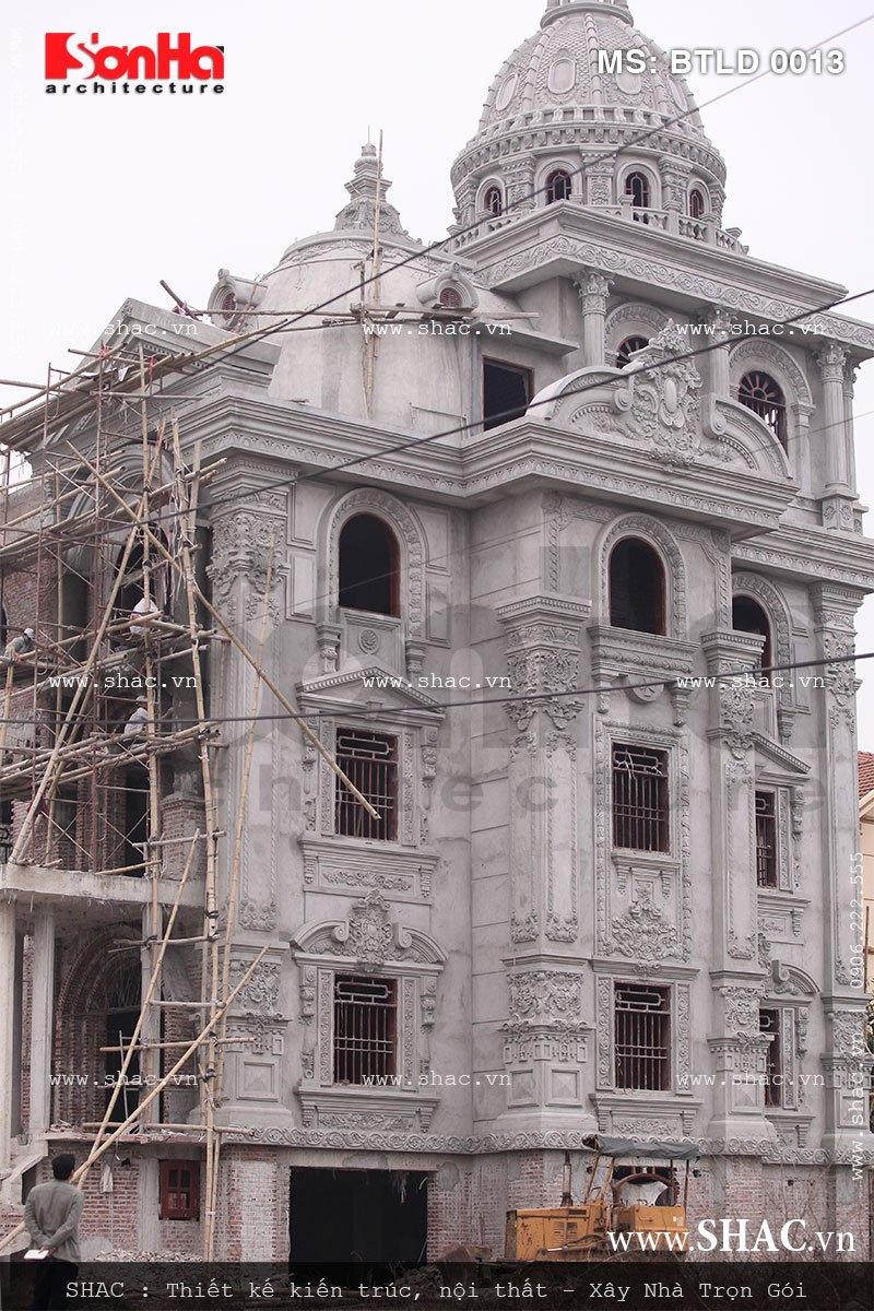 Hình ảnh của biệt thự 5 tầng phong cách lâu đài cổ điển SHAC được thi công thực tế tại Ninh Bình