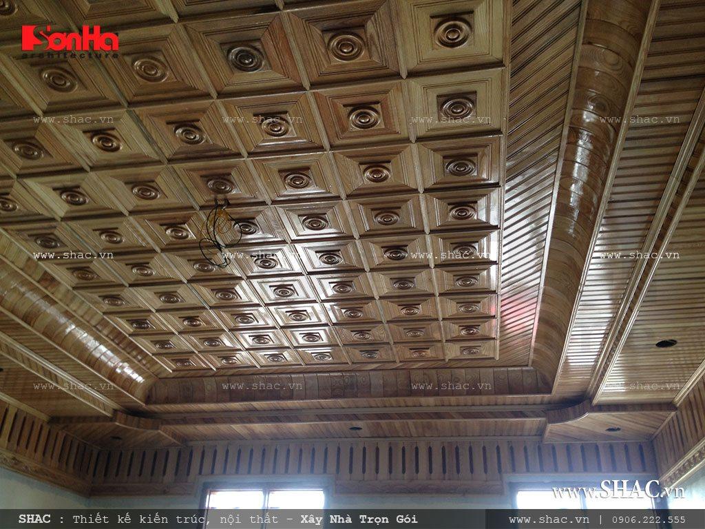 Thi công trần gỗ cho biệt thự