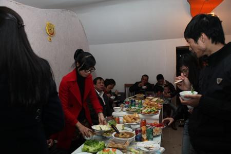 Tiec_buffet_tat_nien_2012_tai_Son_Ha_Architecture_18
