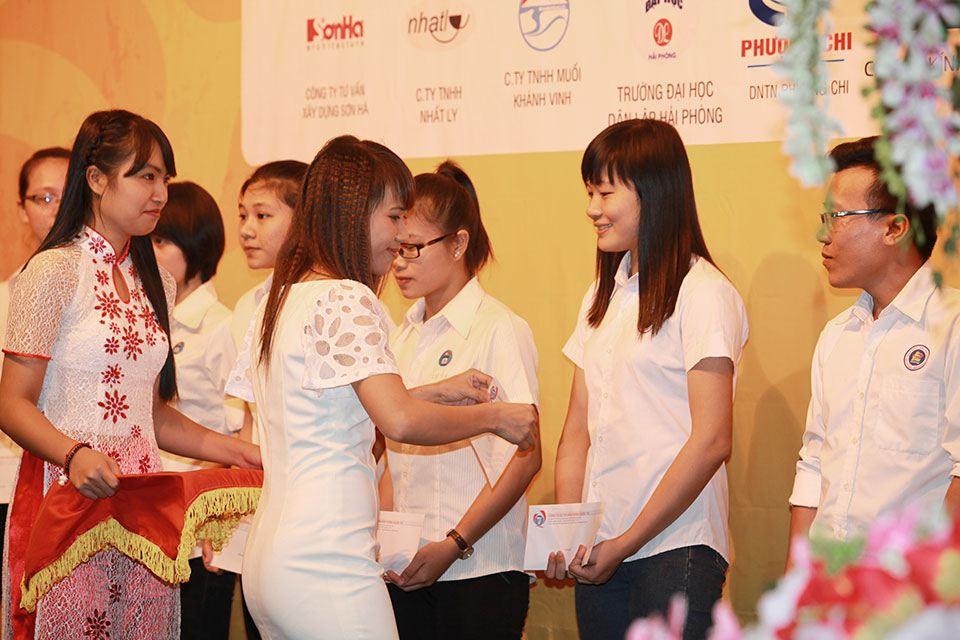 Học bổng Nguyễn Sơn Hà