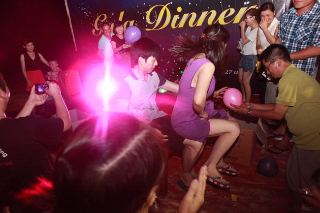 khoanh-khac-teambuilding-2014-36