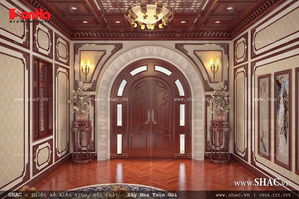 Không gian nội thất phòng thờ được làm bằng gỗ