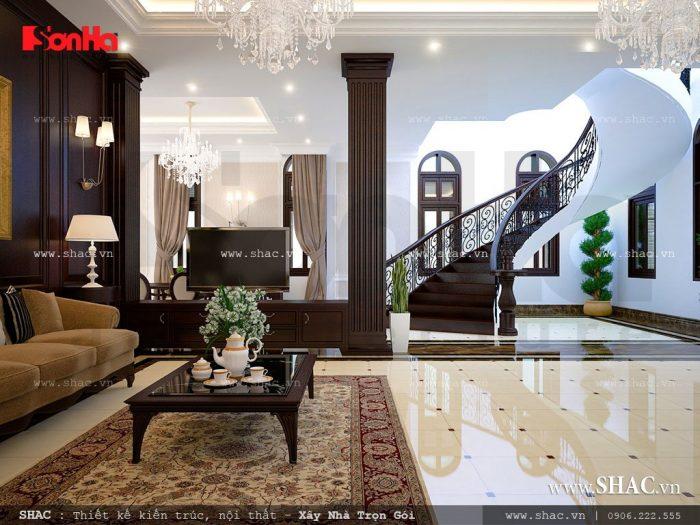 Không gian phòng khách đẳng cấp và rộng thoáng phô diễn toàn bộ vẻ đẹp của kiến trúc nội thất biệt thự Pháp