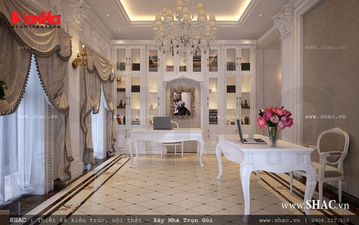 Bên cạnh các không gian nghỉ ngơi riêng tư, ngôi biệt thự Pháp 3 tầng còn có thư phòng đọc sách được thiết kế nội thất tiện nghi