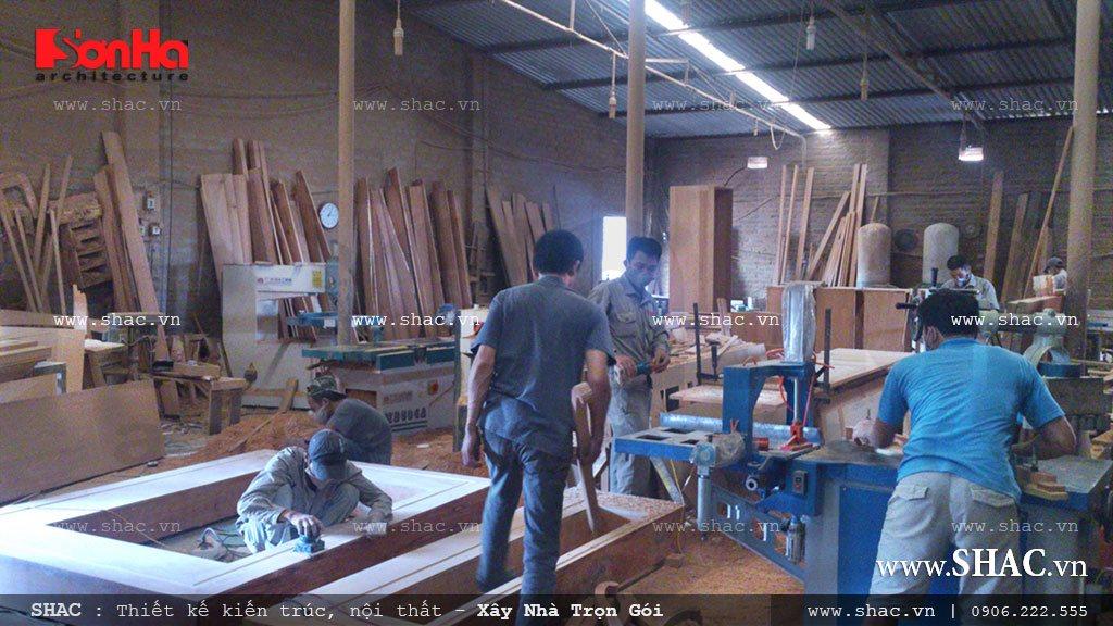 Xưởng gỗ SHAC đang gấp rút sản xuất cho công trình
