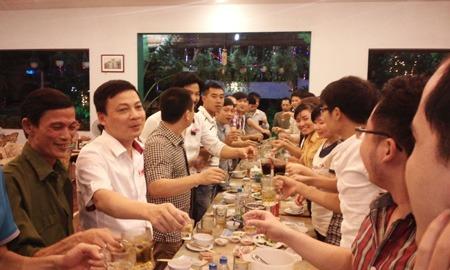 lien-hoan-toan-cong-ty-1