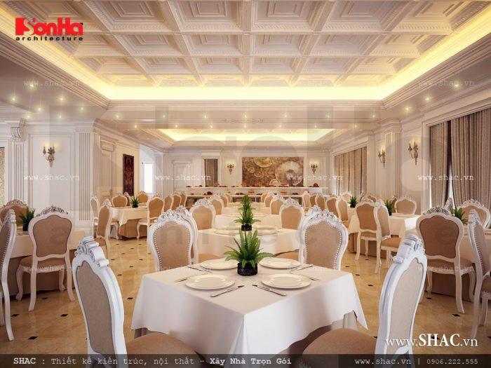 Không gian phòng ăn sang trọng với thiết kế nội thất được sắp xếp khoa học, cân đối do kiến trúc sư Sơn Hà mang đến