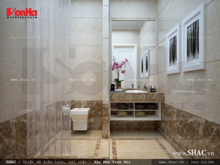 Phòng tắm lắp đặt các thiết bị cao cấp mang lại không gian sinh hoạt cá nhân thoải mái và thân thuộc như ở nhà