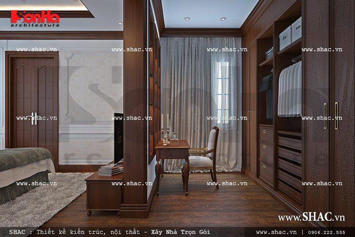 Khu bàn làm việc và phòng thay đồ trong phòng ngủ lớn của ngôi biệt thự Pháp 3 tầng