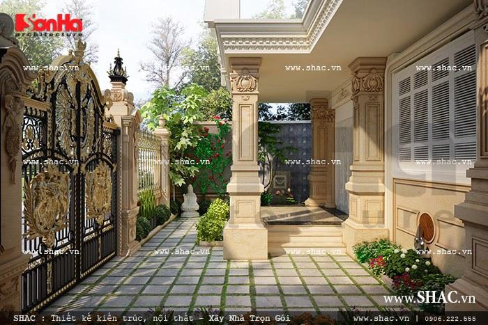 Thiết kế hàng rào và cổng, sân trước của biệt thự lâu đài 3 tầng diện tích 162m2 tại Trà Vinh