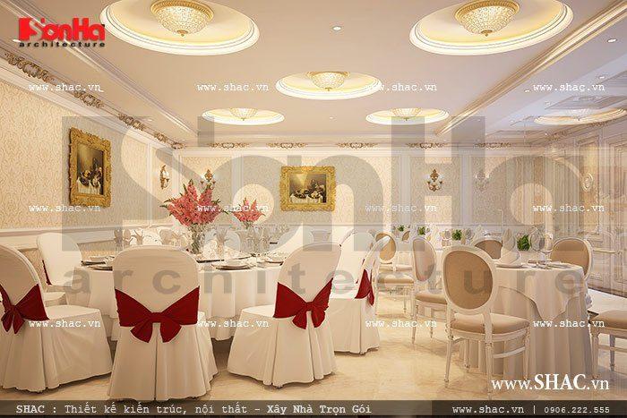 Nội thất phòng ăn khách sạn được KTS SHAC bày trí nhẹ nhàng với gam màu trắng kết hợp đỏ hài hòa