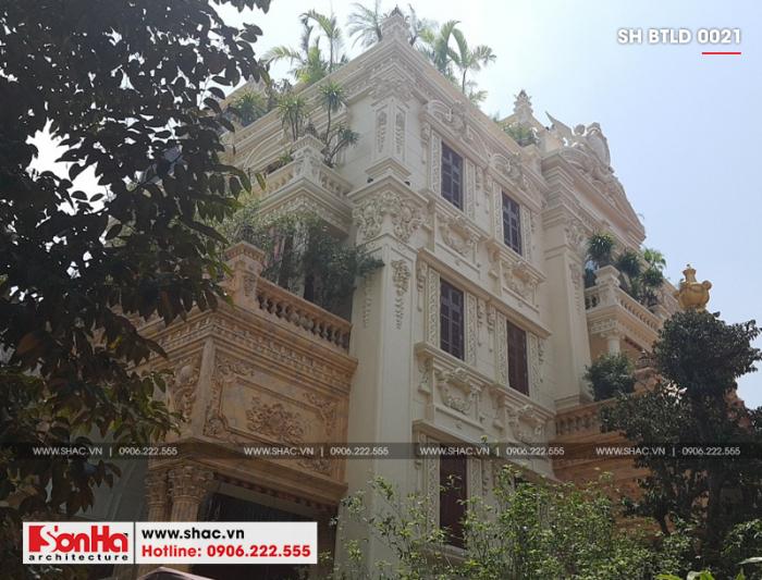 Xây trọn gói ngôi biệt thự lâu đài cổ điển Pháp 4 tầng tại Hà Nội