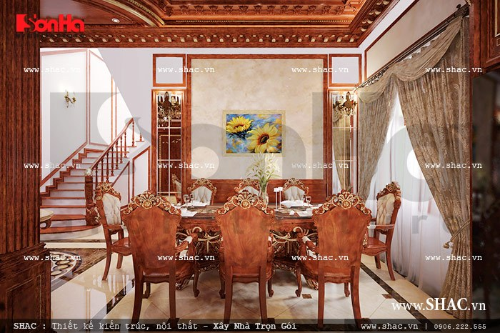 Thiết kế nội thất gỗ cho phòng bếp nổi bật với bộ bàn ăn kiểu cổ điển khiến bất kỳ ai cũng không khỏi choáng ngợp và yêu thích