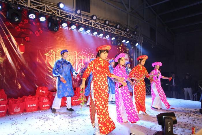 chuong-trinh-tet-2016-38