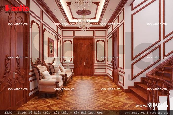 Thiết kế sảnh thang tầng 2 của biệt thự lâu đài cổ điển tại Hà Nội