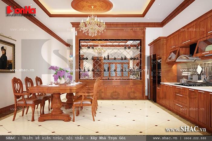 Sử dụng nội thất gỗ khiến không gian phòng ăn thêm phần sang trọng với tạo hình đẹp được đặt tại không gian rộng tạo lối đi lại thuận tiện thoáng đãng cho người sử dụng