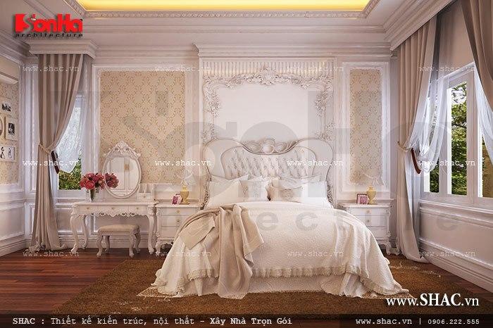 Vẫn sử dụng những gam màu nhẹ mát  kết hợp đồ nội thất cao cấp mang lại cảm giác thư thái và thanh bình cho căn phòng ngủ biệt thự Pháp cổ điển