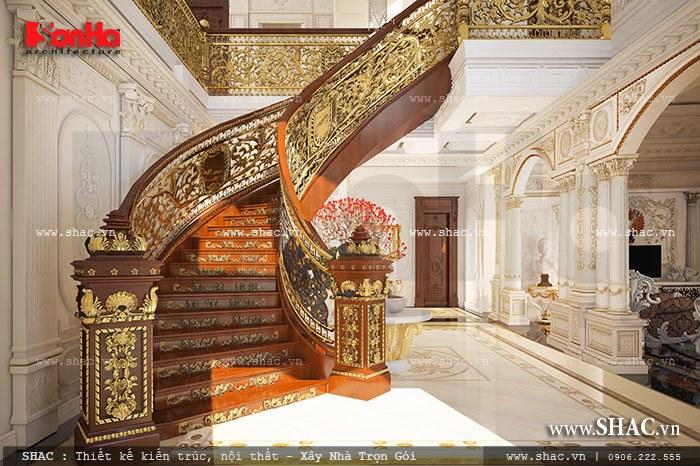 Hệ thống cầu thang gỗ của biệt thự được thiết kế đầu tư tỉ mẩn và cầu kỳ từng tiểu tiết
