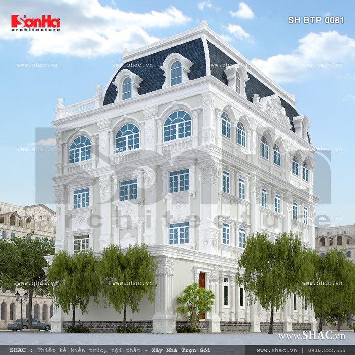 Mặt sau của ngôi biệt thự cổ điển đẳng cấp 4 tầng sang trọng tại TP. Hồ Chí Minh cũng được thiết kế mãn nhãn