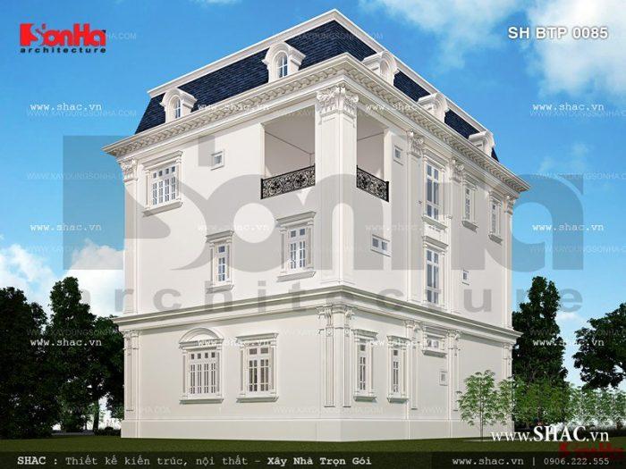 Còn đây là phương án thiết kế mặt sau của ngôi biệt thự cổ điển 3 tầng gam màu trắng mãn nhãn