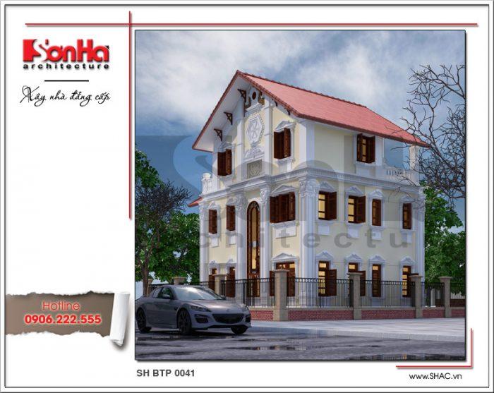 Phối cảnh kiến trúc mặt sau của mẫu biệt thự Pháp 3 tầng mái ngói đỏ được thiết kế sang trọng không kém