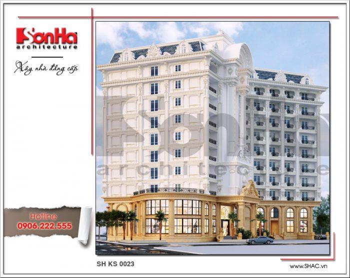Đường nét kiến trúc tinh tế, nổi bật với gam màu sơn trắng, kết hợp vàng ở đại sảnh thể hiện nét quyền quý của khách sạn 5 sao tại Phú Quốc – Kiên Giang