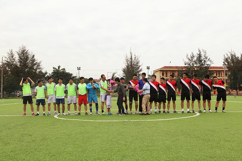 SHAC vô địch giải giao hữu bóng đá kiến trúc sư Hải Dương 2017 2