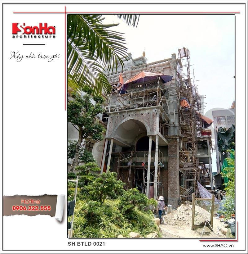Ảnh thi công trọn gói ngôi biệt thự lâu đài cổ điển Pháp 4 tầng xa hoa tại Hà Nội