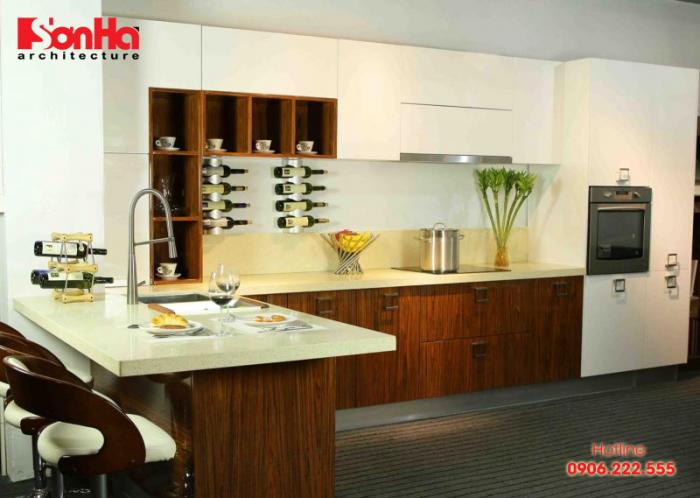 thiết kế bếp liền bàn đảo làm tăng sự tiện nghi cho người sử dụng