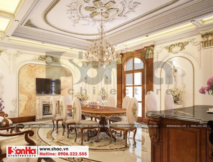 Khu vực phòng ăn được trang hoàng đẹp mắt với bộ bàn ăn kiểu cổ điển sang trọng