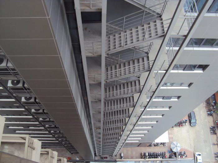 Thiết kế cầu thang thoát hiểm theo tiêu chuẩn