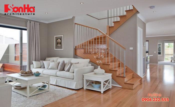 Cầu thang được xem là hợp cách khi nó dựa vào vách trái của ngôi nhà