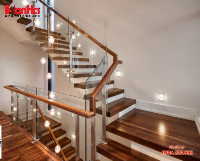 Mẫu cầu thang đẹp đẹp với vật liệu gỗ cho không gian nhà ống sang trọng