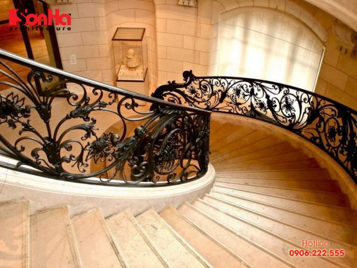 Mẫu cầu thang phong cách cổ điển cho ngôi biệt thự xa hoa đẳng cấp