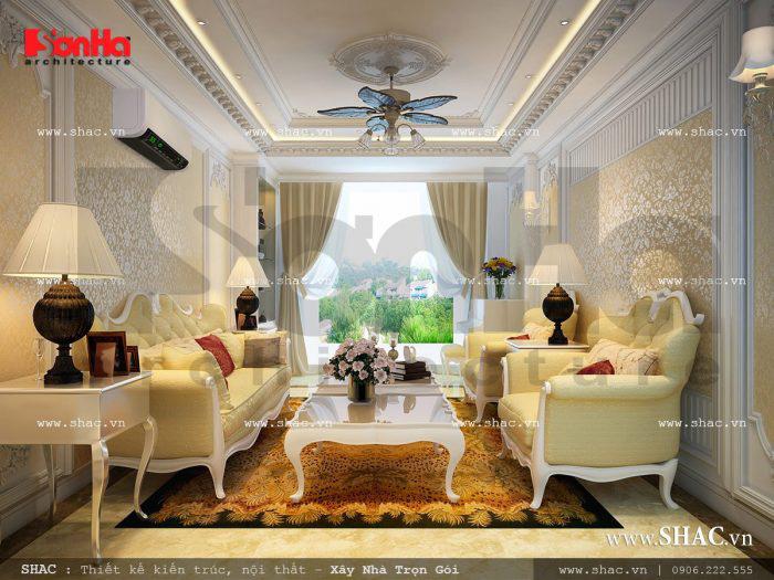 Mẫu nội thất phòng khách nhà ống cổ điển Pháp với điểm nhấn sang trọng
