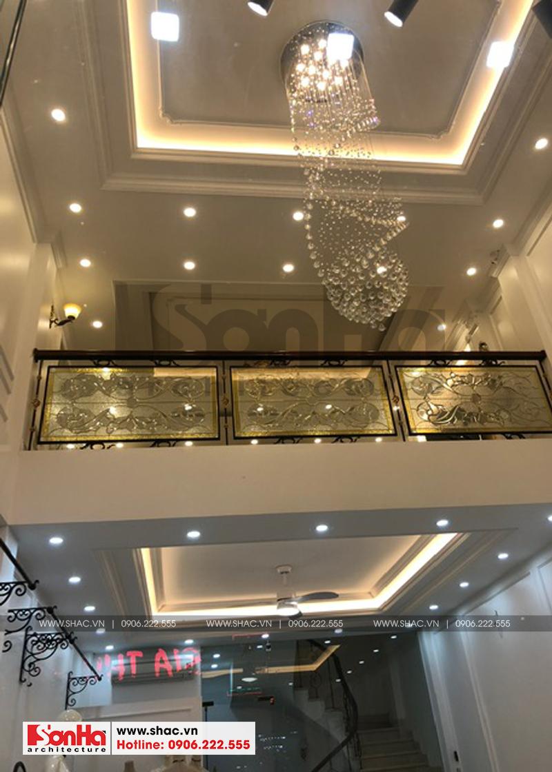 Đèn trang trí kiểu dáng đẹp cho không gian nội thất thêm sang trọng