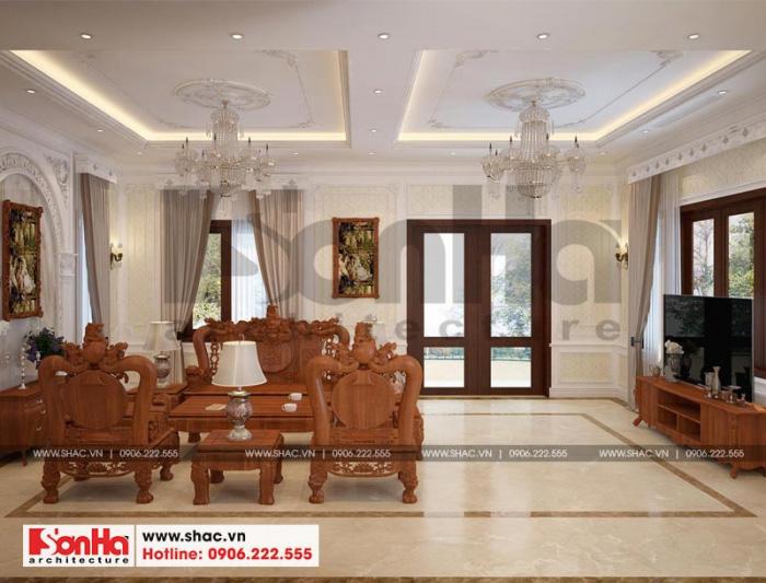 Không gian phòng khách được tận dụng tối đa các điều kiện để lấy gió lấy sáng