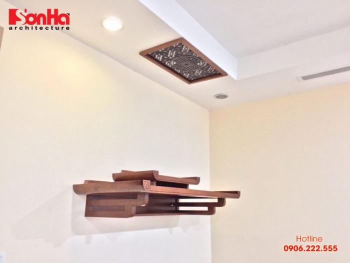 Bàn thờ gỗ luôn được đặt ở nơi trang trọng trong nhà và hợp phong thủy
