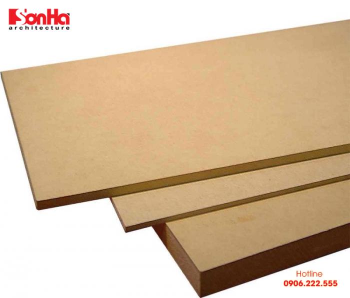 HDF được gia cố với hơn 80% là gỗ tự nhiên và hỗn hợp hóa chất
