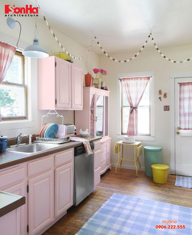 Thiết kế phòng bếp tông màu hồng mê hoặc mọi người làm nội trợ