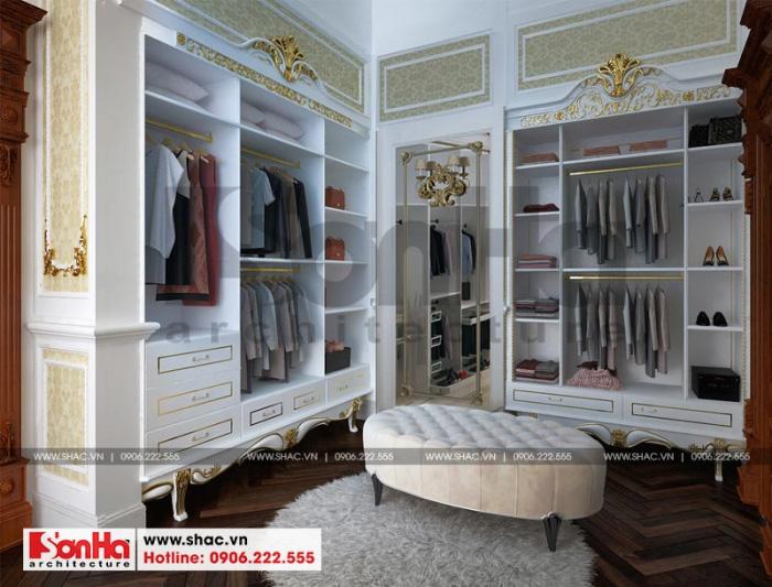 Phòng thay đồ không chỉ rộng mà còn được trang bị đầy đủ tiện nghi