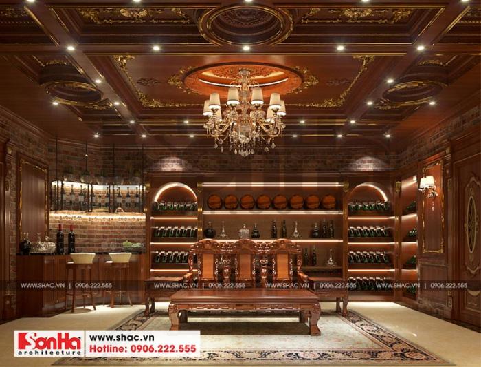 Hầm rượu được thiết kế đầu tư về quy mô với nội thất gỗ cao cấp