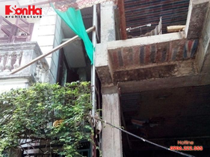 Xây dựng nhà làm ảnh hưởng đến nhà liền kề do ép cọc sâu hơn nhà hàng xóm