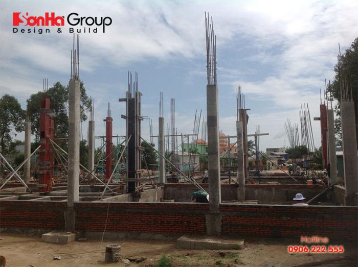 Cần tuân thủ quy trình đổ bê tông cột không bị rỗ làm ảnh hưởng công trình