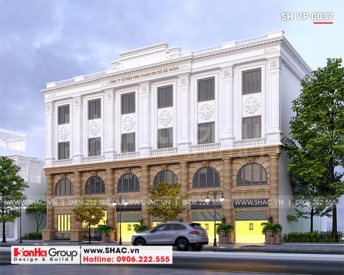 Mặt tiền tầng một được thiết kế ốp đá màu nâu sáng sang trọng với các hoa văn tỉ mỉ tạo nên sự tinh tế và đồ sộ cho tòa nhà nhà văn phòng 4 tầng tại Hải Phòng