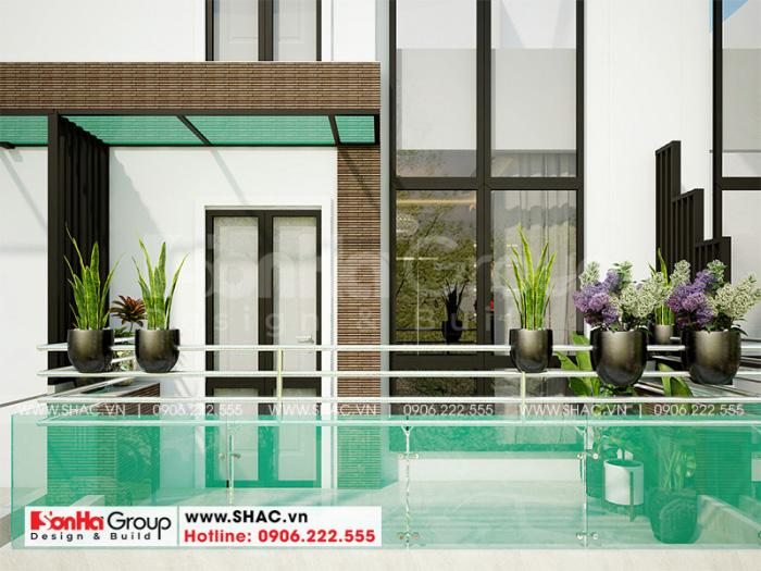 Thiết kế ban công kết hợp nhiều cây xanh mang đến không gian sống thư thái, thoải mái cho chủ đầu tư Thảo và gia đình