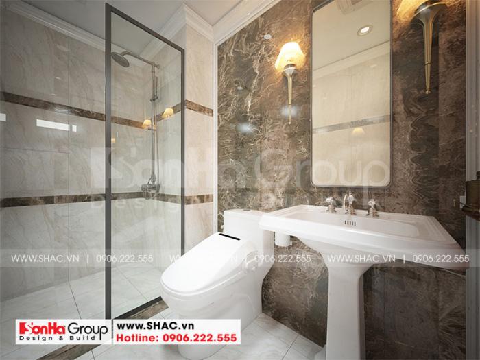Không gian phòng tắm và vệ sinh kiểu cổ điển tiện nghi được lựa chọn vật dụng hoàn hảo khiến chủ nhân hài lòng nhất