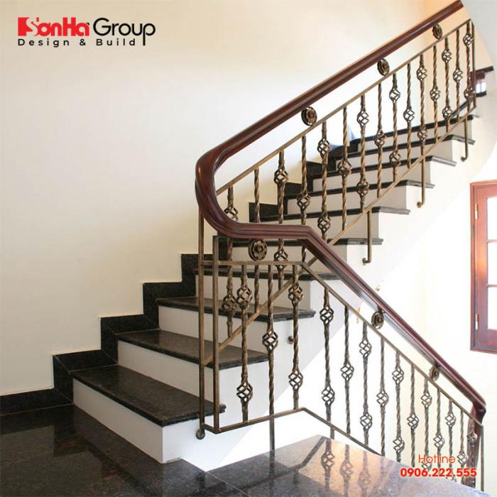 Mẫu cầu thang vuông đẹp mắt cho nội thất nhà phố 4m đến 5m