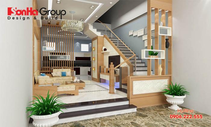 Ngăn phòng khách và cầu thang có nhiều loại vách ngăn chất liệu khác nhau